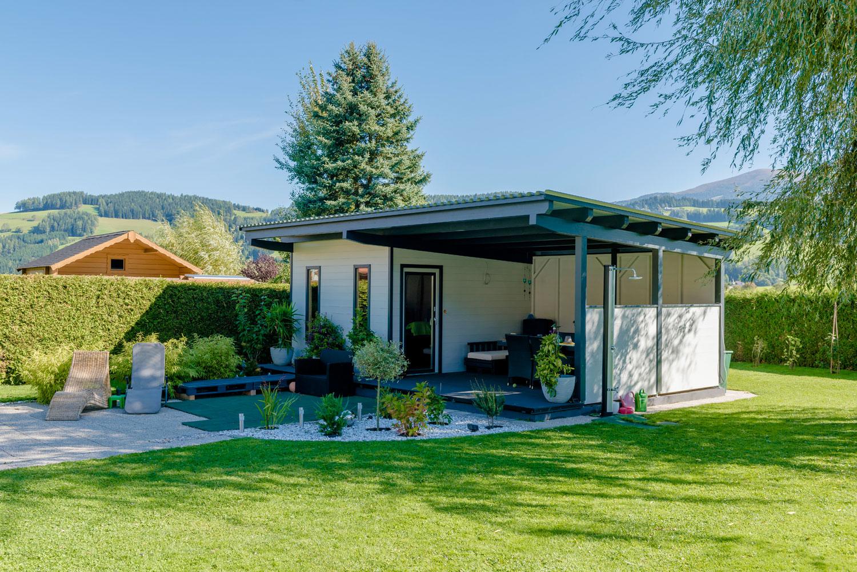 fertig gartenhaus beton top sichtbeton in steyr das von auf eine with fertig gartenhaus beton. Black Bedroom Furniture Sets. Home Design Ideas